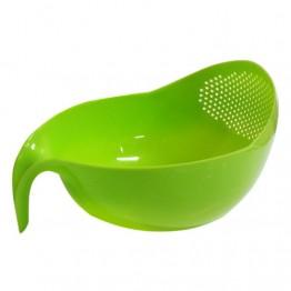 дуршлак пластиковый с ручкой для овощей и фруктов (на ящике 28-15)