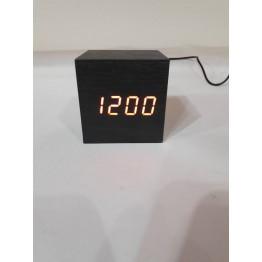 настольные часы декоративные от сети и от батареек с красной подсветкой в виде дерев.бруска VST-869-1
