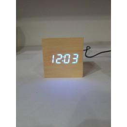 настольные часы декоративные от сети и от батареек с синей подсветкой в виде дерев.бруска VST-869-5