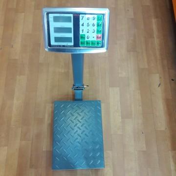 торговые электронные весы со стойкой, усиленной платформой и цифровым диспеем от 50гр. до 100кг
